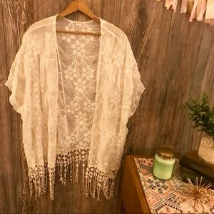 {unbranded} ivory floral embroidered kimono o/s